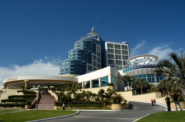 Famous Conrad hotel and casino. Photo credit: http://contintanorte.com.ar